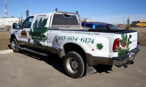 custom-commerial-graphics-truck